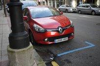 czerwone renault Clio